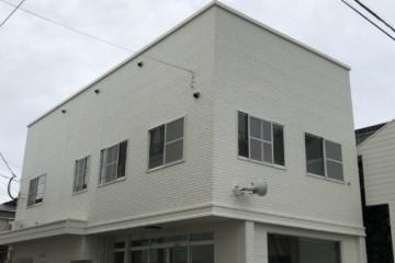 福岡県春日市千歳町でテナント外壁塗装工事・屋根塗装工事・シーリング工事を行いました。
