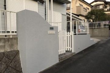 福岡県春日市平田台で塀塗装工事・補修工事を行いました。