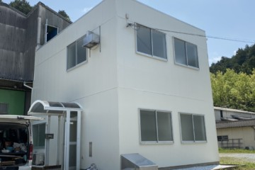 福岡県宇美町でテナント塗装工事を行いました。