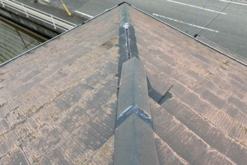福岡県那珂川市で屋根塗装工事・棟板金工事を行っています。