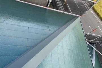 福岡県那珂川市で屋根塗装工事・棟板金工事を行いました。