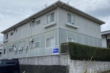 福岡県筑紫野市でアパート改修工事を行っています。