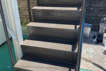 福岡県福岡市城南区でバルコニー工事・階段補修工事を行いました。
